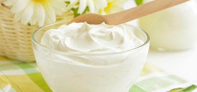 10 benefícios surpreendentes de iogurte (Dahi) para pele e cabelo Photo