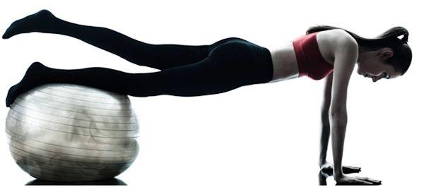 empurre para cima com elevador perna sobre a estabilidade bola