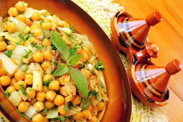 Salada de grão de bico marroquina