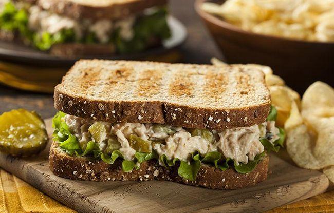 Atum-Salad-Toast