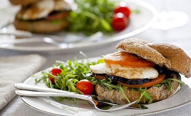 Berinjela-E-Mozzarella-Sandwich