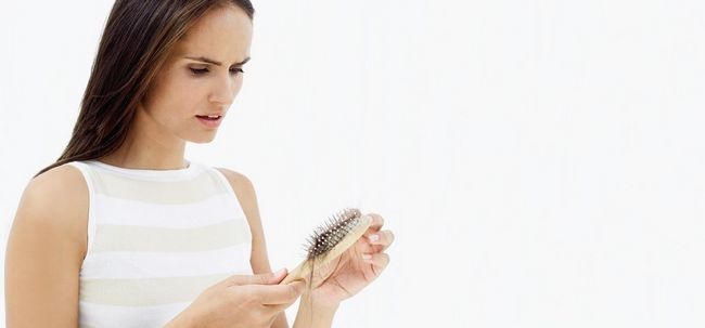 10 simples e natural maneiras de combater a perda de cabelo Induzido por Thyroid Photo