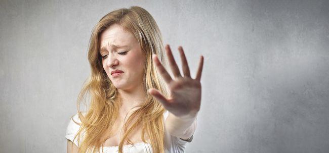 11 Ingredientes repugnante seus cosméticos diários para Gross You Out Photo