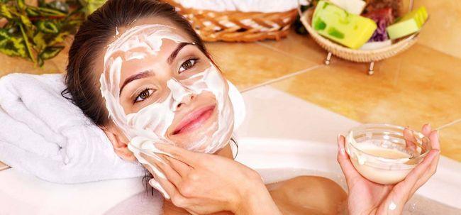 2 maneiras simples de preparar Manteiga Máscara Facial Photo