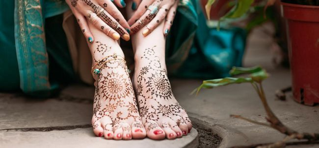 20 projetos pendentes nupcial Mehendi para o seu dia do casamento Photo