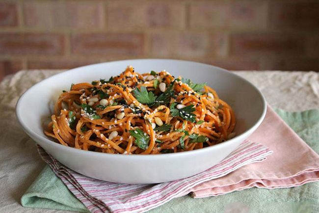 Cenoura-Pasta-Com-A-cremoso, -Zesty-Alho-Sauce