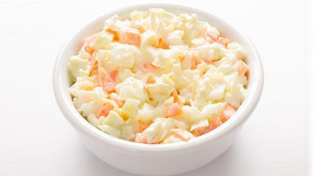 macarrão salada de repolho