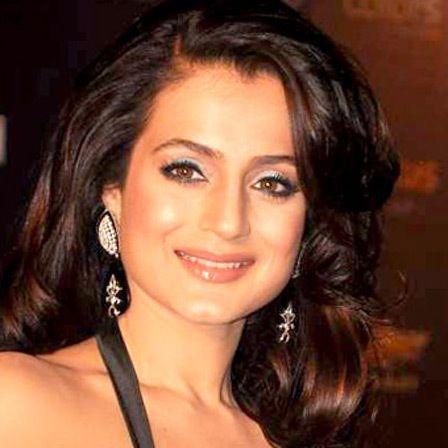 amisha Patel segredo de beleza