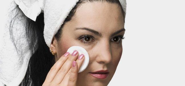 3 Melhores Toners de farmácias para a pele oleosa Photo