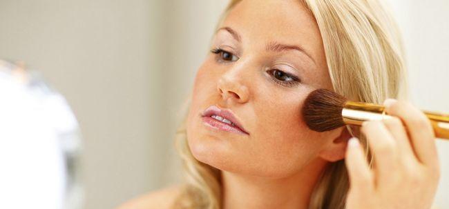 3 truques de maquiagem Simples para ocultar pele afetada-Eczema Photo