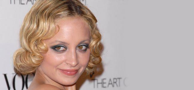3 Final Hacks de maquiagem para olhos salientes Photo