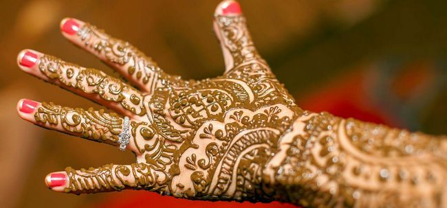 36 Designs Mehendi para as mãos para inspirá-lo - The Complete Guide Photo