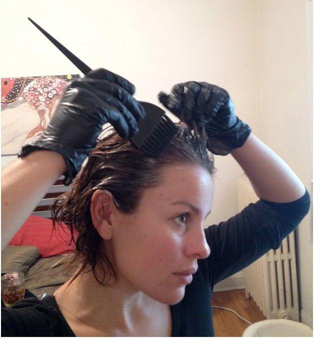como aplicar a cor do cabelo em casa