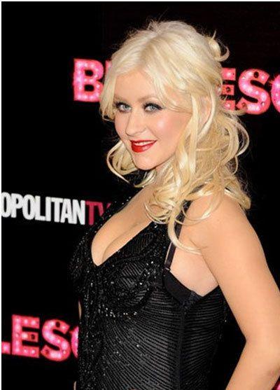 Christina Aguilera estreia burlesque