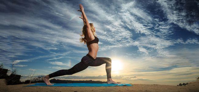 5 Must Watch vídeos para impulsionar suas habilidades Power Yoga Photo