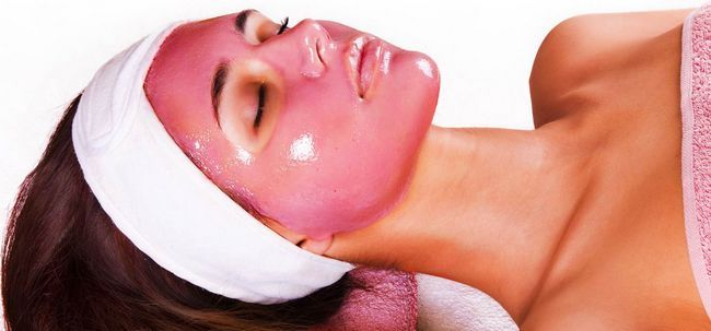 5 maneiras simples de fazer romã Máscara Facial em casa Photo