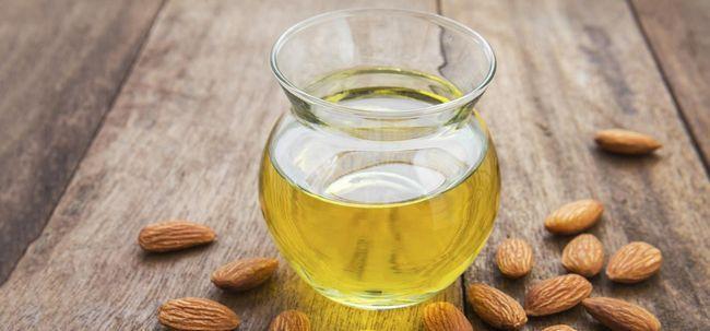 5 benefícios incomparáveis de óleo de amêndoa amarga Photo