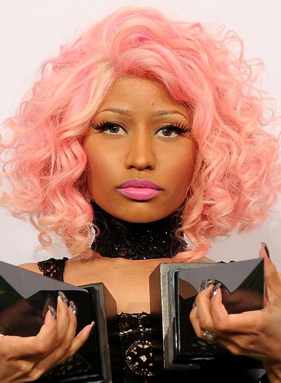Pink-Layered-Bob-com-Tight-Ondas-e-Pêssego-Highlights