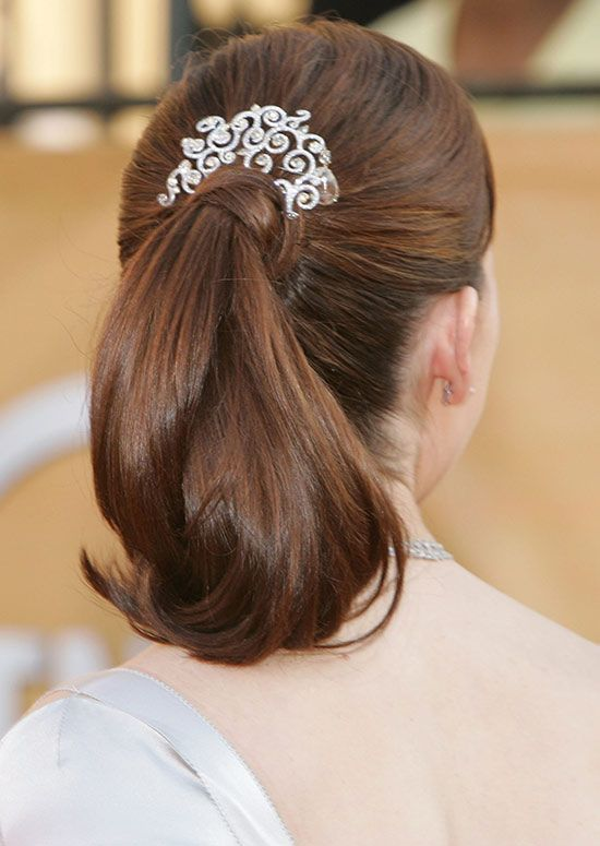 Simple-de-cavalo-com-Curly-Ends-e-cabelo-Wrap