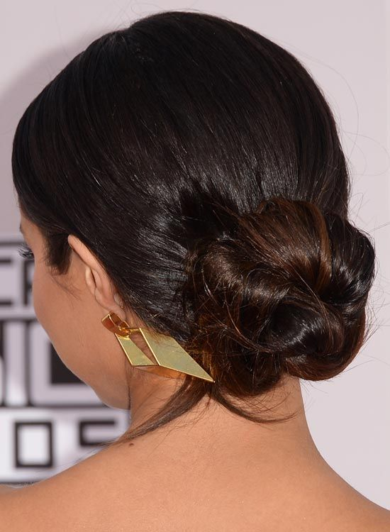 Simple-Low-Twisted-Bun-com-penteados para trás-Finish