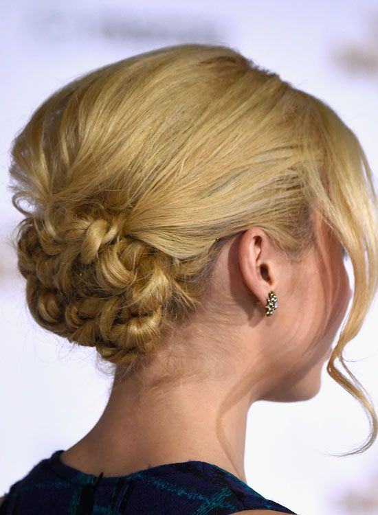 Low-florido-Bun-com-Puffy-Crown-and-Wavy-bang