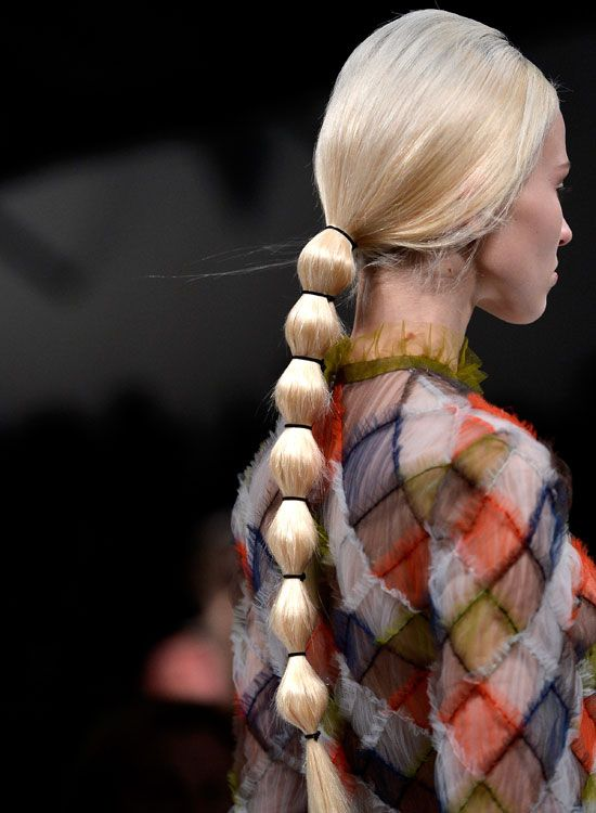 Low-Segmentada-de-cavalo-on-Long-Straight-cabelo