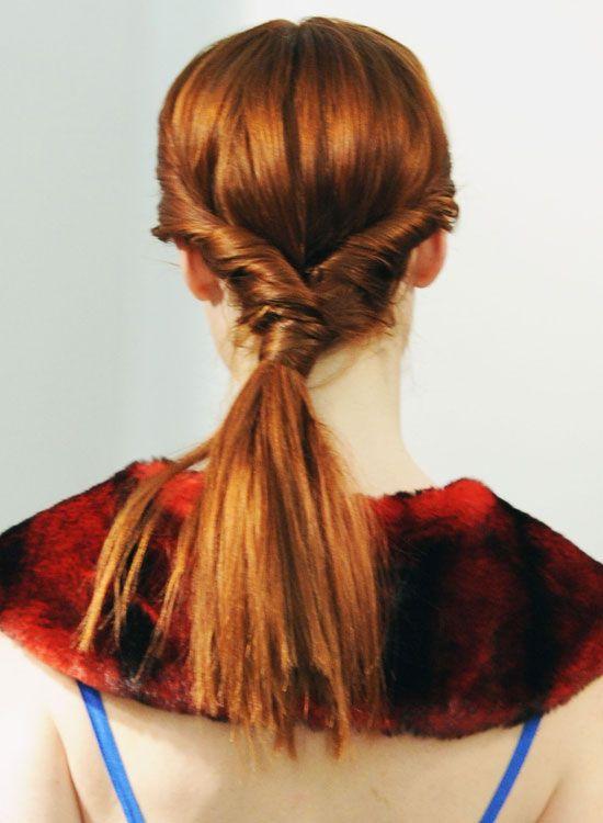 Grosso-Low-de-cavalo-com-Side-Torções-and-cabelo-Wrap