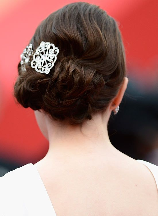 Low-florido-Updo-com-texturizados-Waves-and-Broche