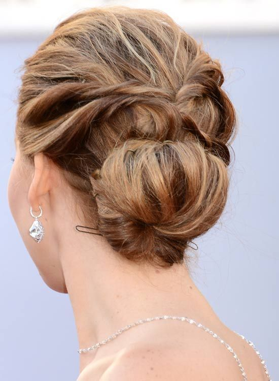Low-Solid-realçada-Updo-with-twisted-Costas