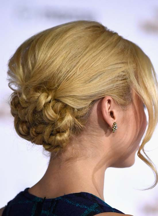 Distinta-Twisted-Bun-com-Puffy-Crown-and-Wavy-bang