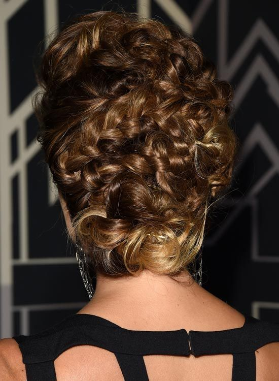 Magnificent-trançado-Updo-com-Sujo-Low-Bun
