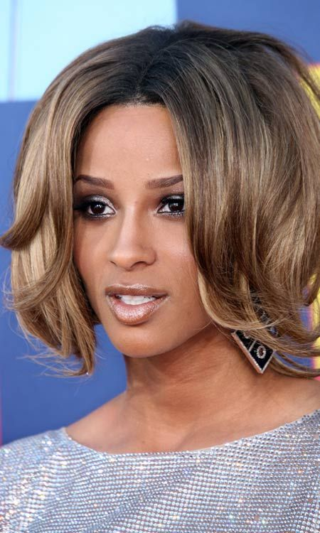 Invertido-Layered-Bob-com-Curly-Bangs-e-Ends