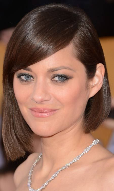 Asymmetric-Bob-com-Elegante-Side-Swept Bang