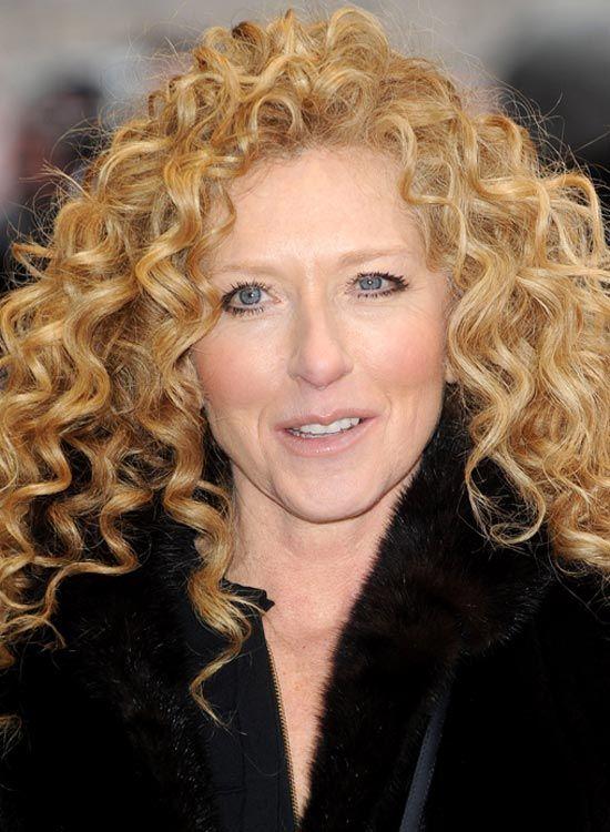 Brincalhão Médio Comprimentos Curly Hairdo