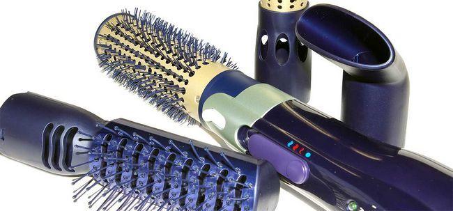 6 ferramentas essenciais para Estilo e manter o seu cabelo ondulado Photo