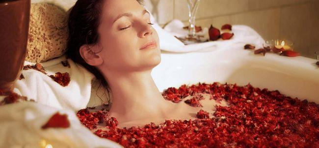 6 passos simples para tomar um Detox Bath At Home Photo