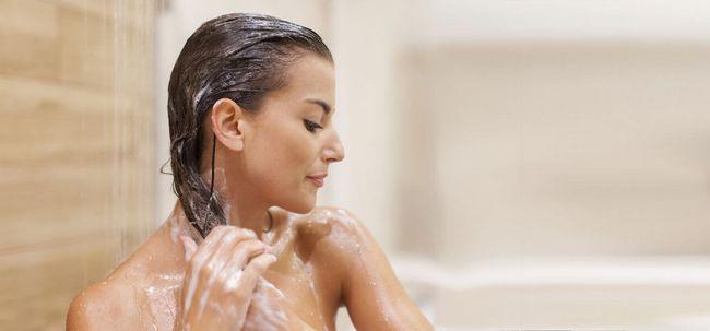 6 passos simples para lavar o cabelo com shampoo Photo