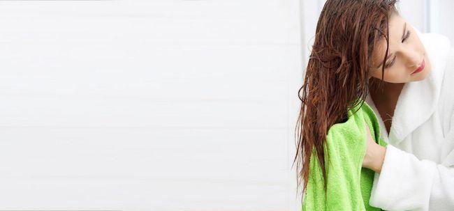 7 truques chuveiro para manter seu cabelo saudável Photo
