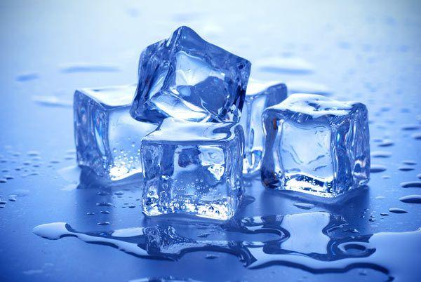 chá cubos de gelo de água
