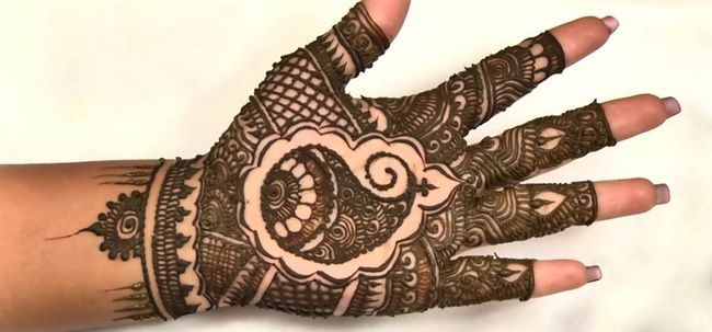 8 impressionante Bangle Mehndi Designs para inspirá-lo Photo