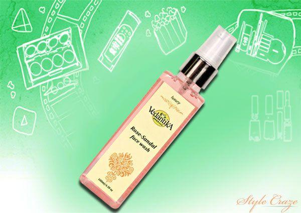 Vedantika Herbals Rose Sandália Face Wash