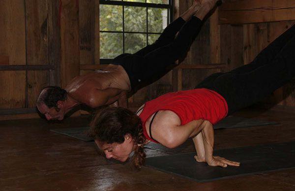 benefícios Mayurasana ioga