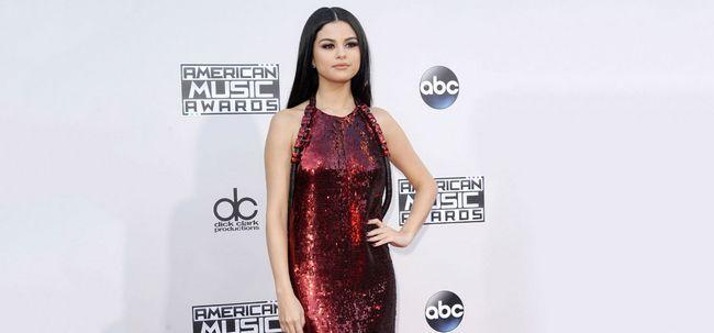 Será que estes 5 coisas para olhar tão lindo como Selena Gomez (sem ir a um salão de beleza) Photo