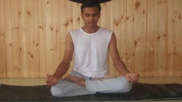 sukhasana pose da ioga