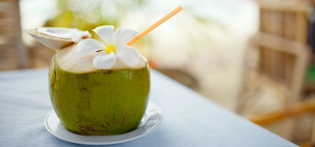 Como água de coco ajuda na perda de peso? Photo