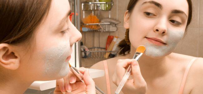 Como se preparar Máscara Bentonite da argila? Photo