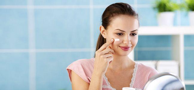 Como usar protetor solar com maquiagem? Photo