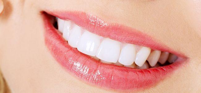 Como clarear os dentes com bicarbonato de sódio e limão? Photo