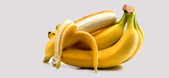 Deixe-nos dizer-lhe como fazer sua própria máscara de cabelo Banana e como tirá-lo! Photo