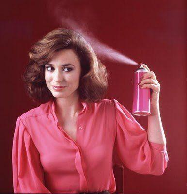 pulverizar seu cabelo para endireitar sem calor